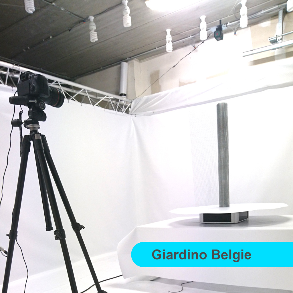 VR1m in studio